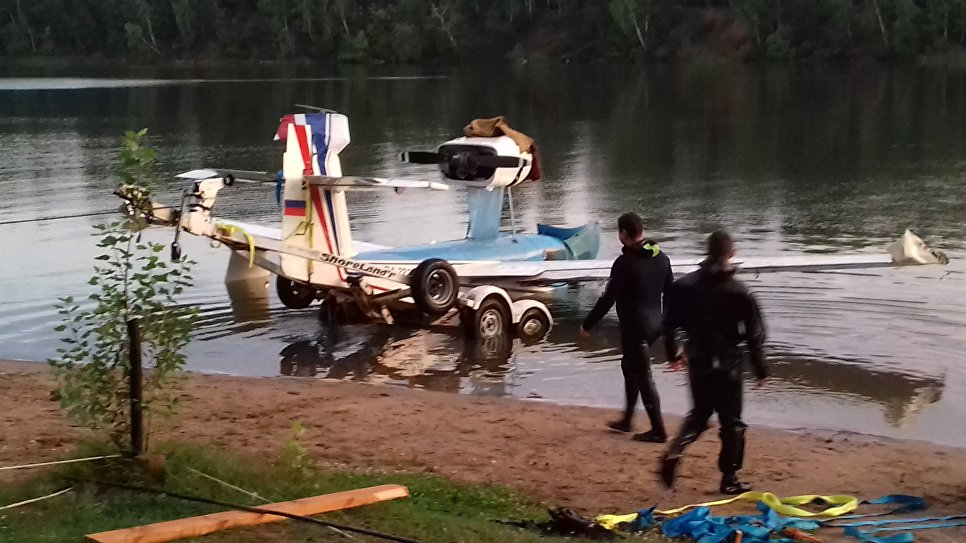 Бригада водолазов компании Водолаз.Москва за работой