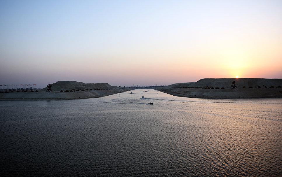 Новое русло Суэцкого канала в портовом городе Исмаилия, Египет. 6 августа 2015 года