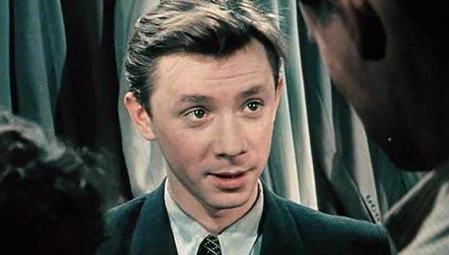 Кадр из фильма За витриной универмага