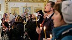 Панихида по погибшим при теракте в метро Петербурга в Троице-Измайловском соборе