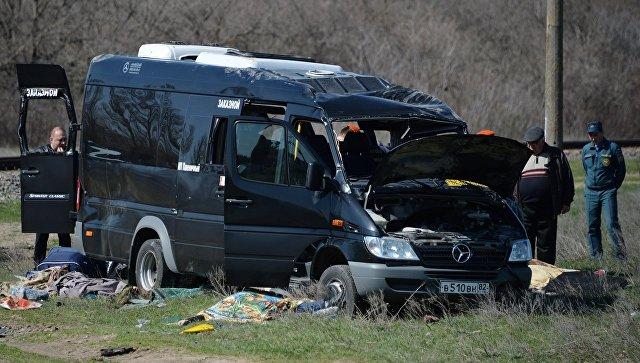 При столкновении электрички и автобуса в Крыму погибли пять человек