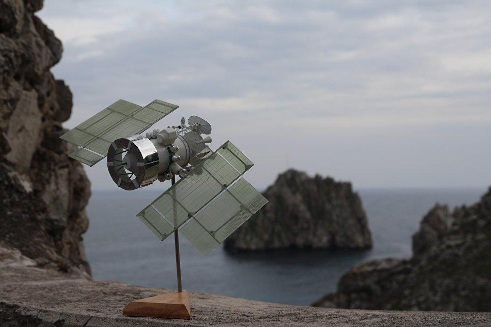 Макет спутника