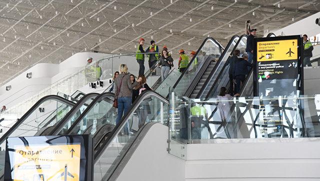 Работа нового терминала аэропорта в Симферополе. Архивное фото