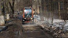 Весна начинается с уборки: как коммунальщики приводят Москву в порядок