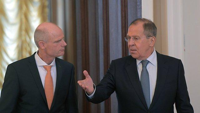 Руководитель МИД Нидерландов устроил пробежку вокруг Кремля перед встречей сЛавровым