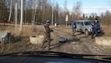 Рыбаки во время половодья в Нижегородской области. 13 апреля 2018