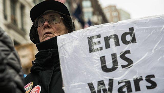 Акция протеста в Нью-Йорке против ударов по Сирии