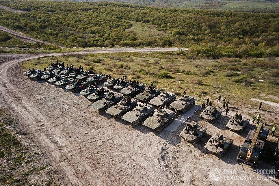 БМД 2 и БМП 2 на армейском конкурсе Десантный взвод в Краснодарском крае