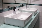 Ноты свежести: как быстро и дешево обновить интерьер ванной