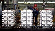 Производство на Саяногорском алюминиевом заводе обьединенной компании Русал