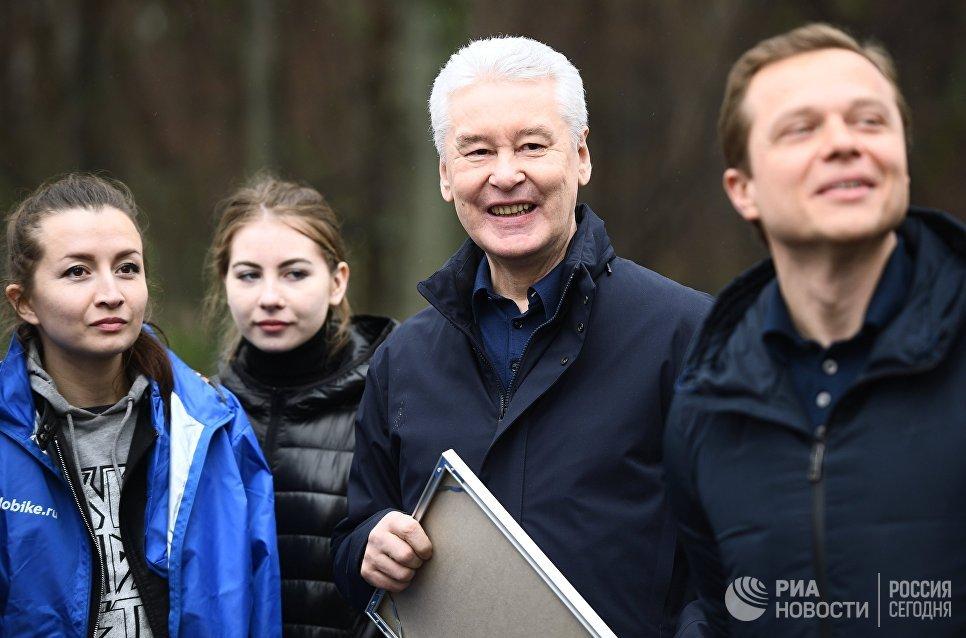 Сергей Собянин и Максим Ликсутов на открытии нового сезона велопроката в Москве