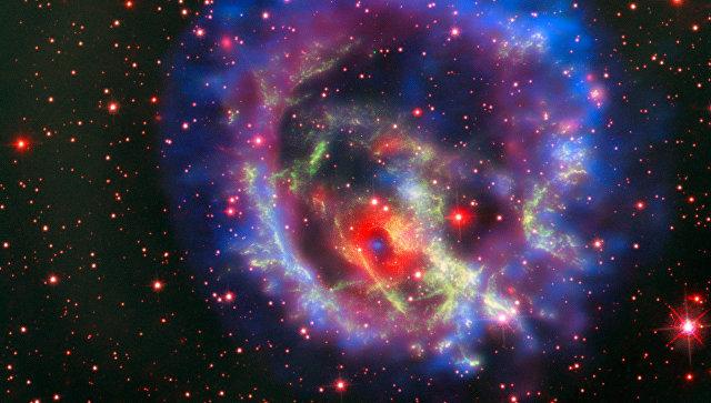 Остатки сверхновой 1E 0102.2-7219, расположенной в ближайшей к нам галактике Малое Магелланово Облако