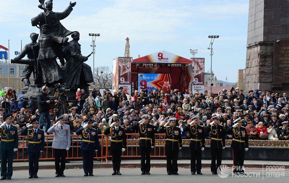 Военнослужащие на военном параде во Владивостоке, посвященном 73-й годовщине Победы в Великой Отечественной войне