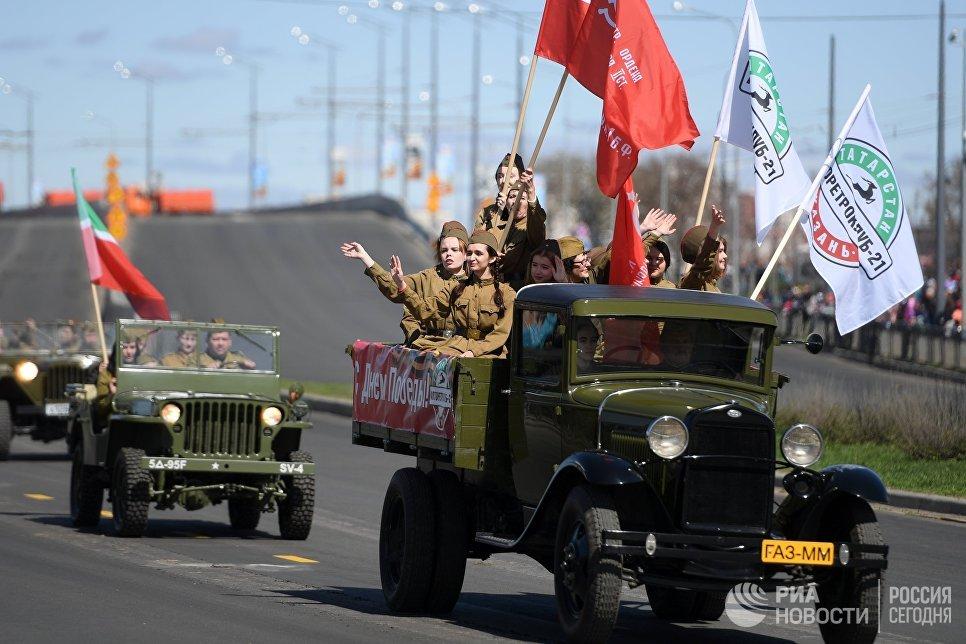 Участники военного парада в Казани, посвященного 73-й годовщине Победы в Великой Отечественной войне