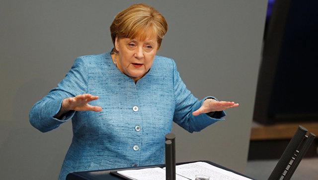 Меркель: Берлин изучает возможность компенсаций Ирану из-за санкций США