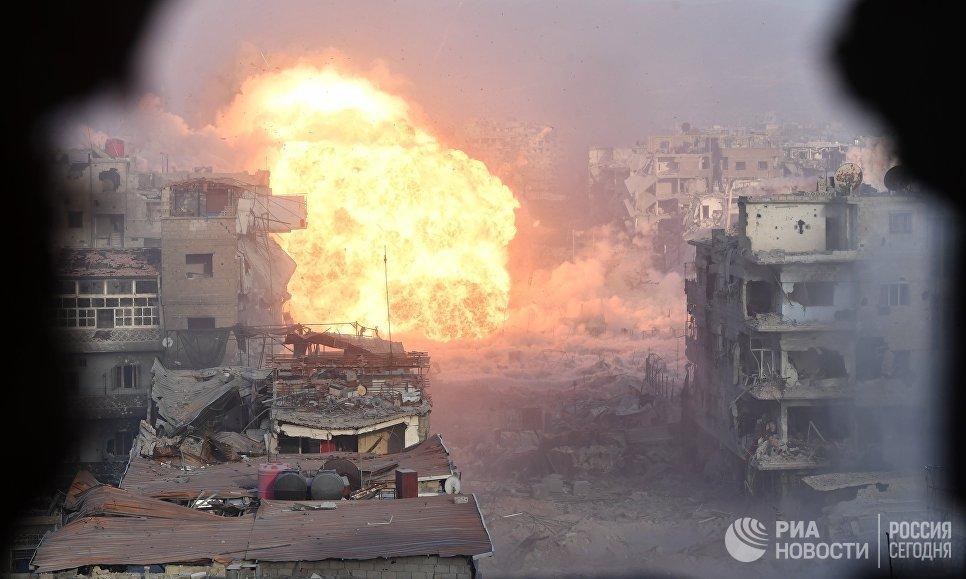 Штурм позиций боевиков террористической организации Исламское государство (террористическая организация, запрещенная в России) в районе бывшего лагеря палестинских беженцев Ярмук в южном пригороде Дамаска