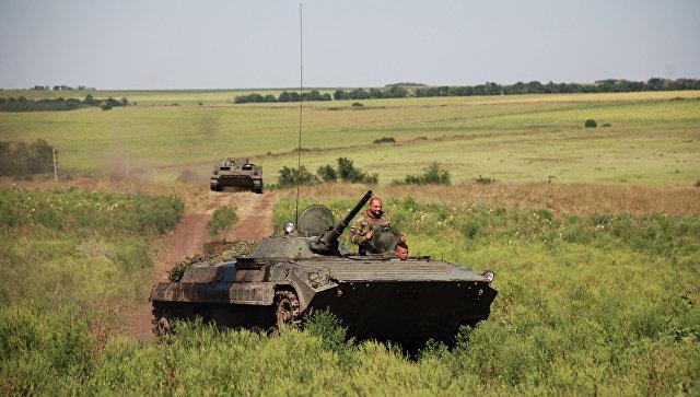 БМП 1-й ополчения ДНР на позиции у линии соприкосновения с ВСУ. Архивное фото