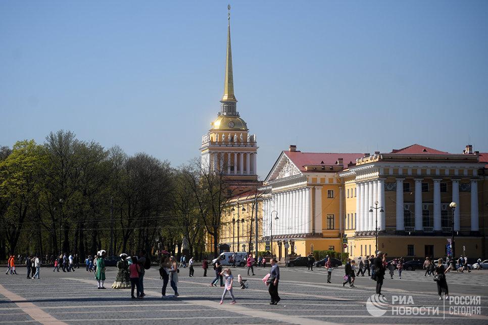 Здание Адмиралтейства в Санкт-Петербурге. Архивное фото.