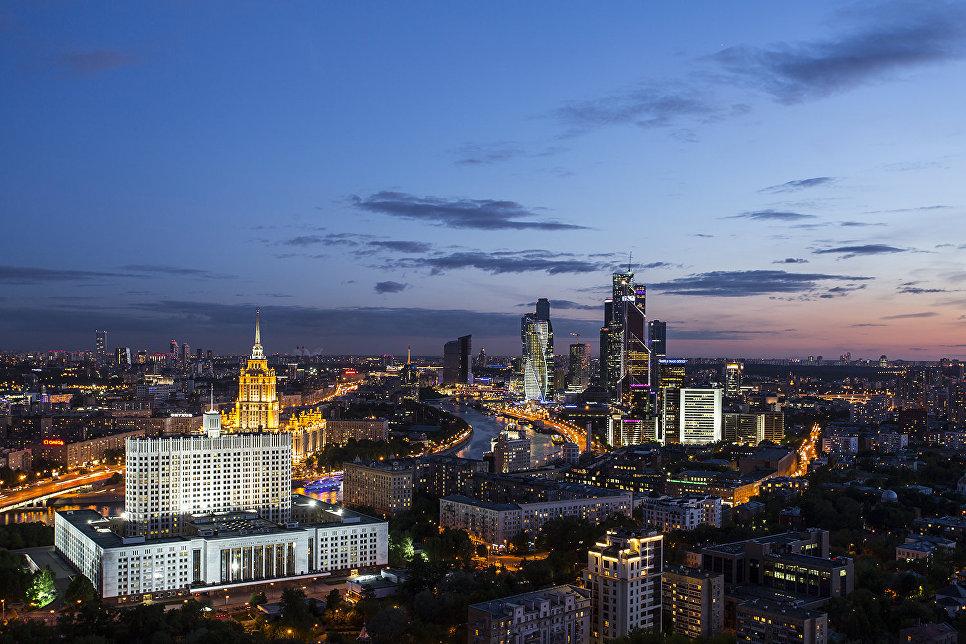 Вид с высотки на Кудринской площади