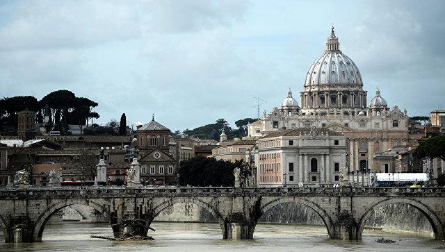 Вид на собор Святого Петра в Ватикане. Архивное фото