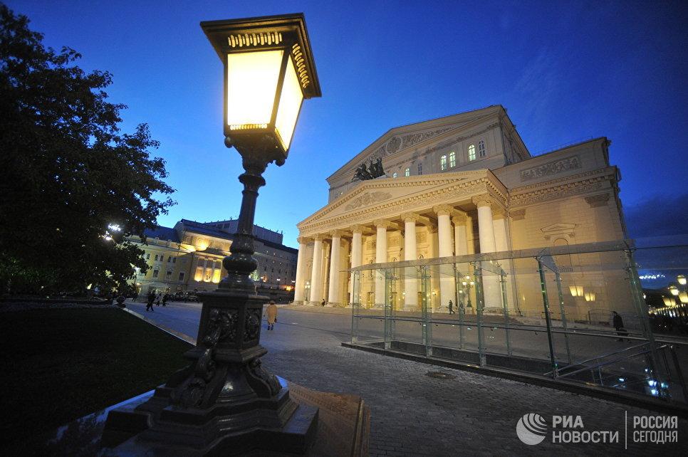 Здание Большого театра в Москве
