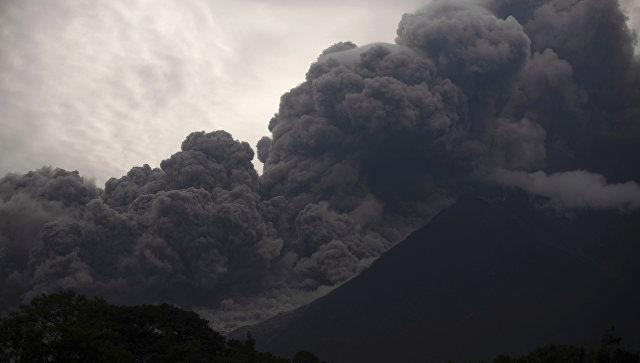 Извержение вулкана Фуэго в Гватемале. 3 июня 2018