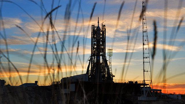 Ракета-носитель Союз-ФГ на стартовой площадке космодрома Байконур. Архивное фото