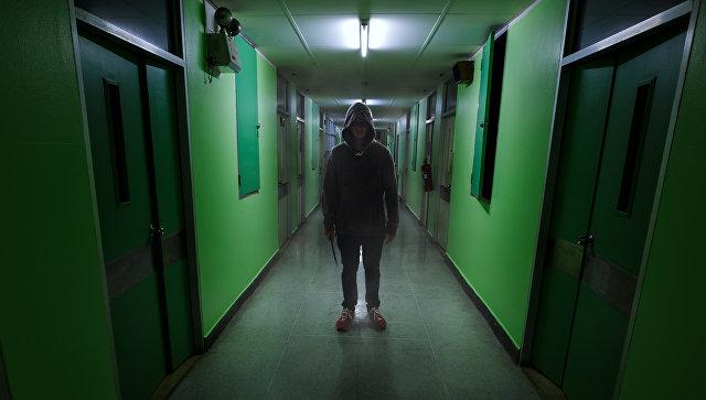 Подросток с ножом. Архивное фото