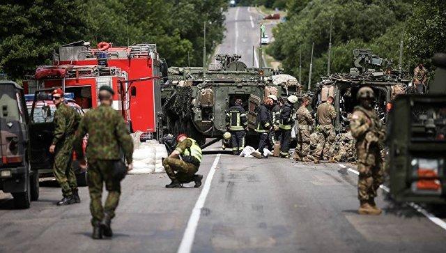 ВЛитве столкнулись 4 бронемашины НАТО, несколько военных ранены