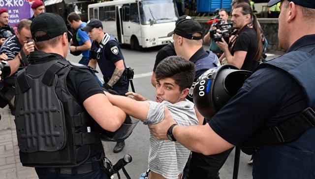 Задержание противников Марша равенства в поддержку ЛГБТ сообщества в Киеве. 17 июня 2018