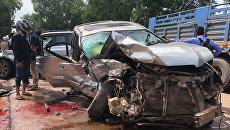 Автомобиль, в котором ехали принц Камбоджи Нородом Ранарит и его супруга Оук Пхалла, на месте ДТП. 17 июня 2018