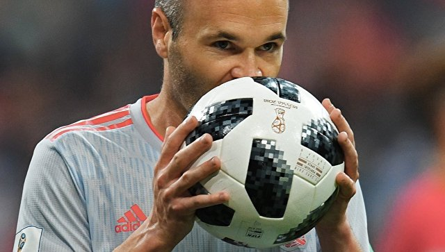 Андрес Иньеста (Испания) в матче группового этапа ЧМ по футболу между сборными Португалии и Испании