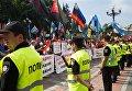 Шахтеры на акции протеста у здания Рады Украины в Киеве. Митингующие протестуют против постоянных задержек зарплат и требуют увеличения заработной платы