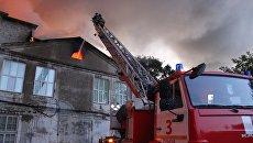 При пожаре в городе Пенза сгорела кровля и частично выгорели внутренние помещения в административно-производственном здании. 6 июля 2018