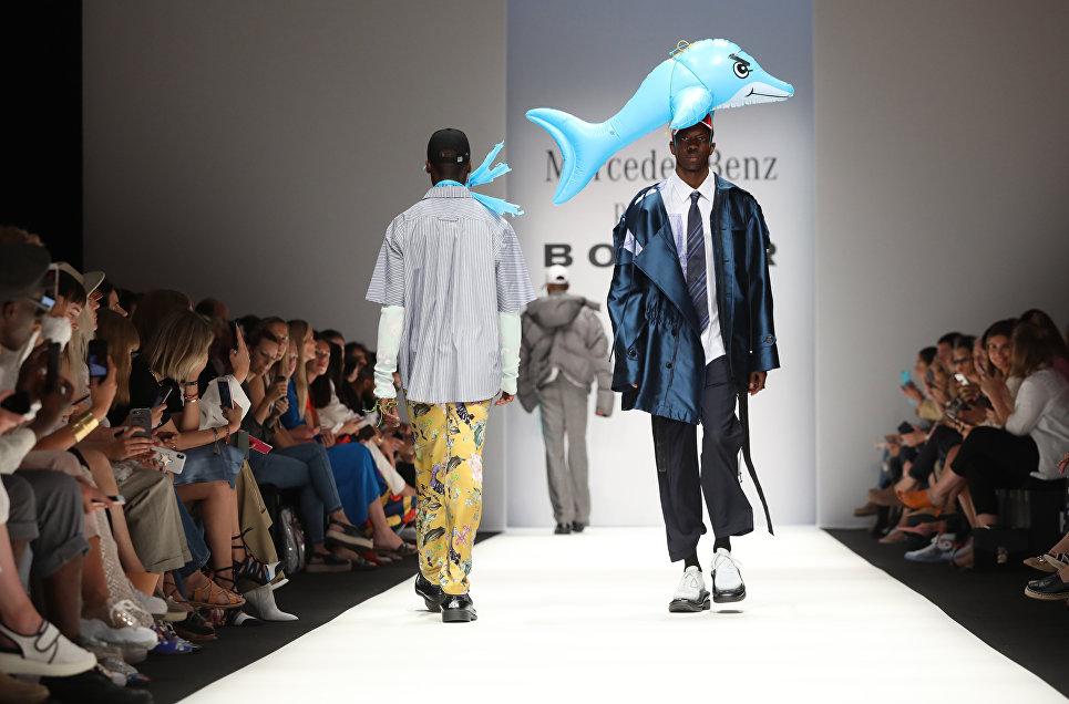 Показ коллекции бренда Botter на Неделе моды в Берлине. 3 июля 2018 года