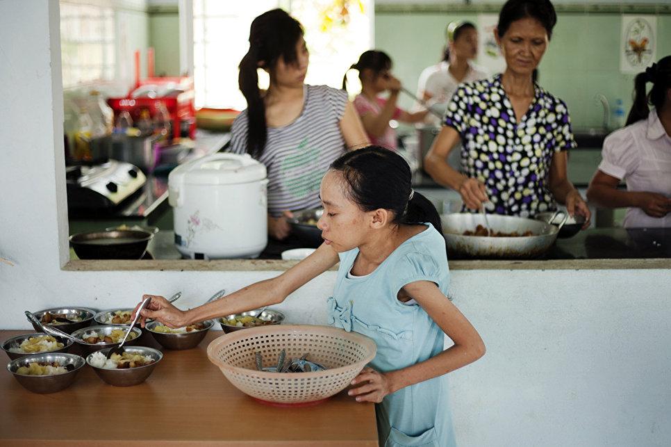 Реабилитационный центр для жертв «Агента Оранж» в Дананге.