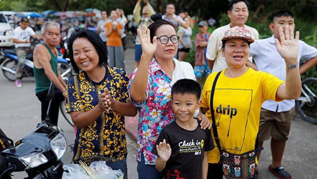 В Таиланде завершили операцию по выводу детей и тренера из пещеры