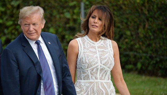 Трамп похвалил супругу за спокойствие во время ЧП на борту самолета