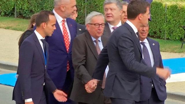 Глава Еврокомиссии Жан-Клод Юнкер на саммите НАТО в Брюсселе