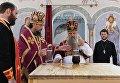 Митрополит Санкт-Петербургский и Ладожский Варсонофий и епископ Солнечногорский Сергий совершают чин освящения престола в храме Федоровской иконы Божией Матери в Алапаевске