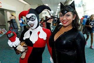 Участницы фестиваля Comic-Con в Сан-Диего