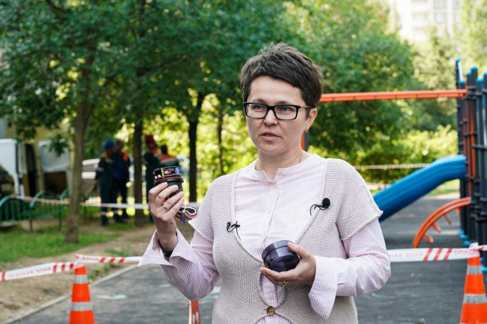 Галина Ключникова показывает устройство модуля