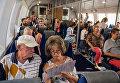 Пассажиры на борту скоростного морского судна на подводных крыльях «Комета 120М» во время его первого рейса по маршруту между Севастополем и Ялтой