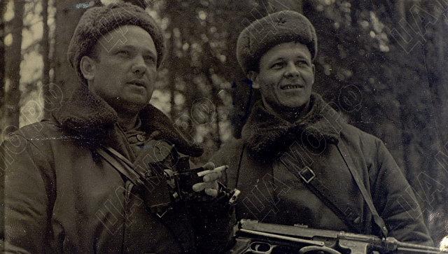 Командир 8 воздушно-десантной бригады полковник Ануфриев и комиссар бригады - батальонный комиссар Распопов