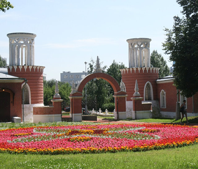Парк-усадьба Воронцово в Москве