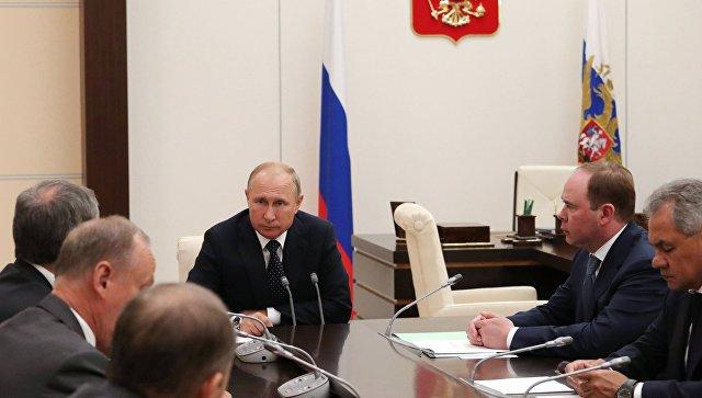 Президент РФ Владимир Путин проводит совещание с постоянными членами Совета безопасности РФ. 10 августа 2018