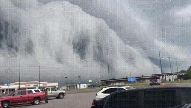 Облака над Верхним Озером в штате Иллинойс, США. 10 августа 2018