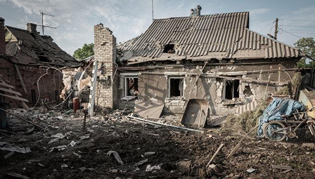 Последствия обстрела Горловки в Донецкой области. Архивное фото