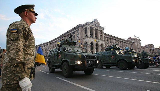 Боевые бронированные машины Козак на репетиции военного парада в честь 27-ой годовщины Независимости Украины в центре Киева. 18 августа 2018