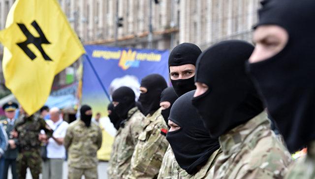 Сторонники радикального движения Правый сектор (организация запрещена в РФ) в Киеве. Архивное фото